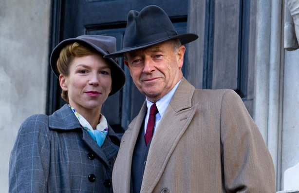 michael-kitchen-returns-as-christopher-foyle-in-series-9-of-foyles-war-on-itv-and-public-television