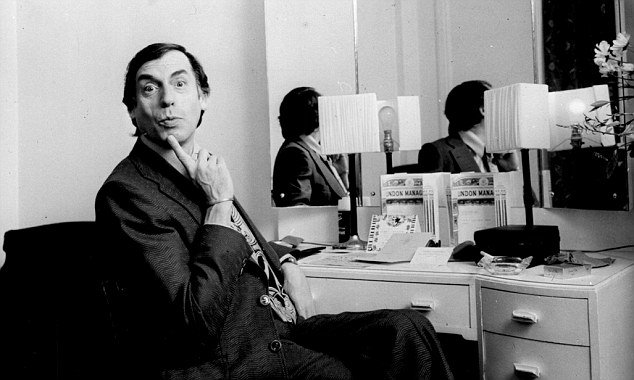Larry Grayson 2